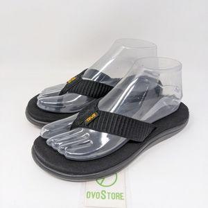 Teva Women's Voya Flip Flop size 7 black.